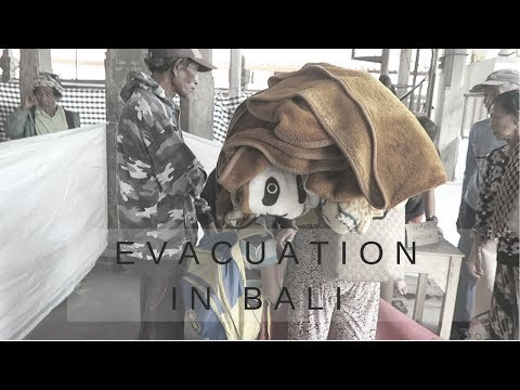MT AGUNG, INDONESIA 2017 | ERUPTION AND EVACUATION ! | ( REAL SAD )