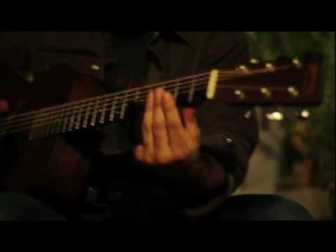 Tony Furtado (solo) slide blues from the backyard