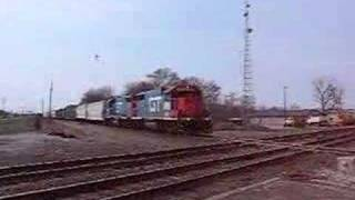 Canadian National Train- Effingham, Ill grand Trunk GP38-2