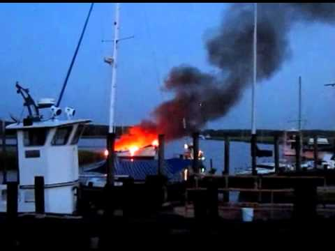 2 bodies found aboard burned boat in St. Marys