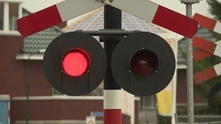 Dutch Railroad Crossing - ADOB Bilthoven (special edit) (last days) (HQ)