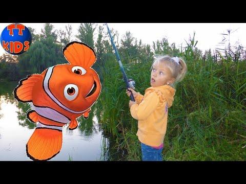 Hello Kitty РЫБАЛКА ДЛЯ ДЕТЕЙ Хелло Китти и Ярослава ловят рыбку для Барсика Видео для детей