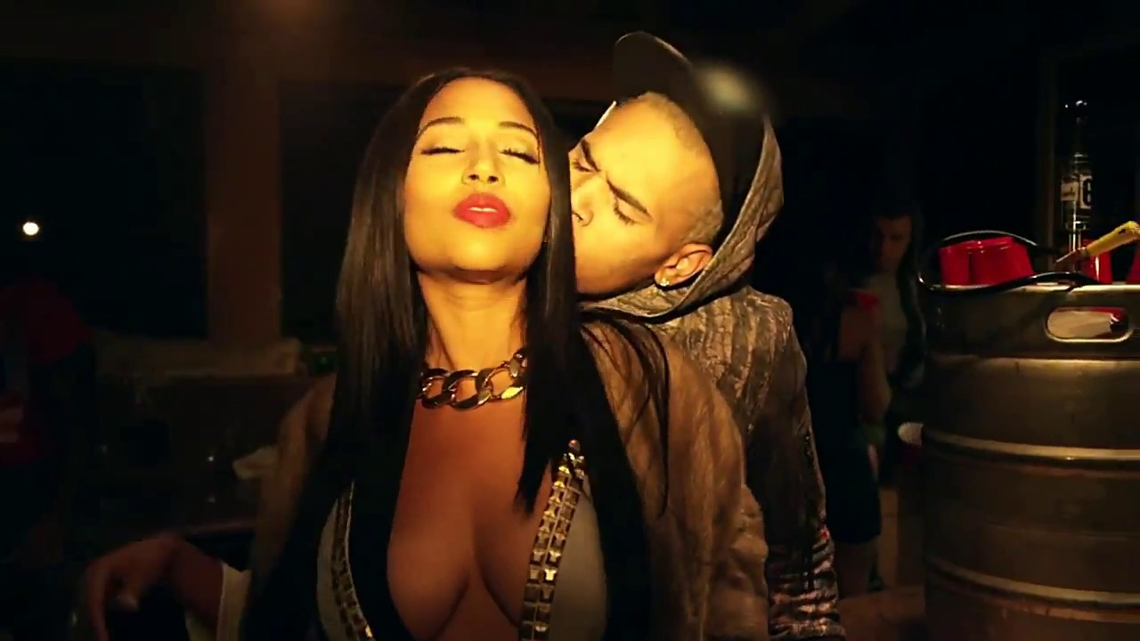 Chris Brown - Loyal (extra verse) - Music Video - YouTube