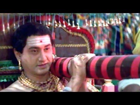 Annamayya Scenes - Lord Balaji Came As A Yathi For Annamayya Marriage - Nagarjuna, Suman