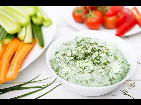 5-Minute Spinach Ranch Dip | Forks Over Knives