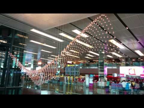 "Mesmerizing ""Kinetic Rain"" Display in Singapore"