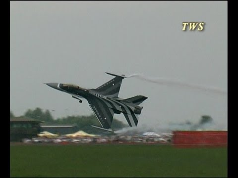 Amazing Dutch F-16 Take Off A Must See Clip - Airshow World
