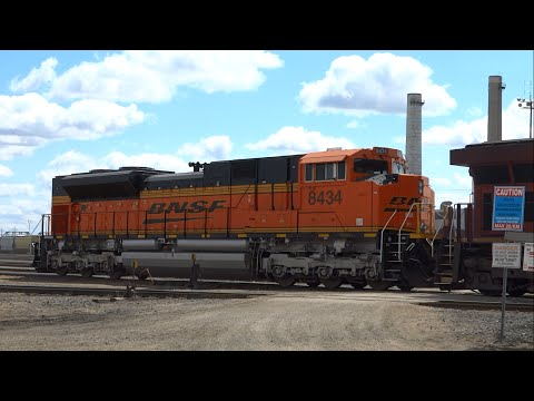 Foreign Power! CP 8907 and BNSF 8434 running light, westbound in Winnipeg, Manitoba