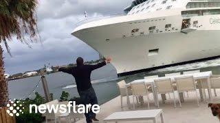 بالفيديو.. سفينة ضخمة تجنح نحو الشاطئ كادت تصدم منزلًا