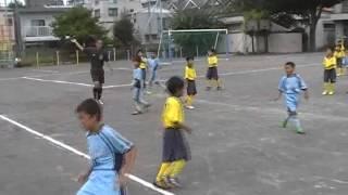 横浜国際チビッ子サッカー大会 南ヶ丘キッカーズ 0対9 バディーSC 場...