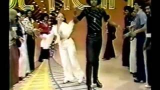 Earth Wind and Fire Mighty Mighty Funk Funky Dancing.flv