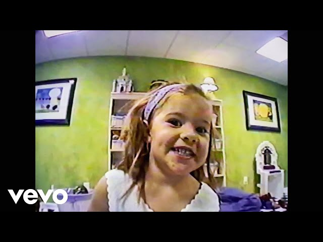 Riley Clemmons – Over and Over (Home Video Version)