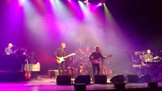 10CC - Feel The Benefit - Veenendaal - 17 march 2009.mp4