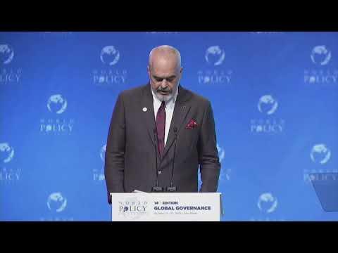 """Top News - Rama në Abu Dhabi mban fjalën në ceremoninë zyrtare të """"World Policy' - Видео онлайн"""