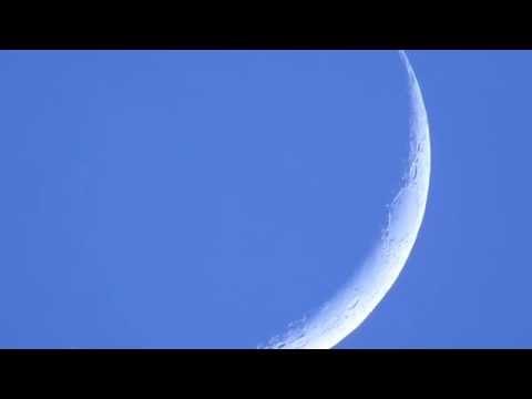 Daylight Moon 14/11/2015 - Morocco - shot with Nikon P900