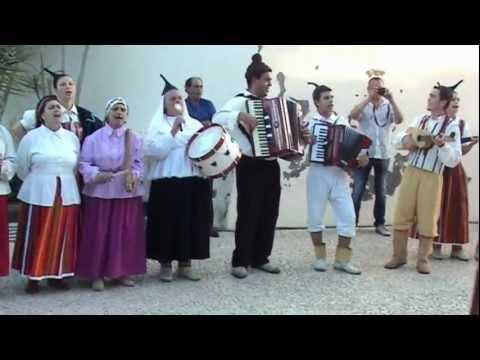 Madeira Funchal Folclore Grupo Monteverde - Baile das Camacheiras (the girls from Camacha)
