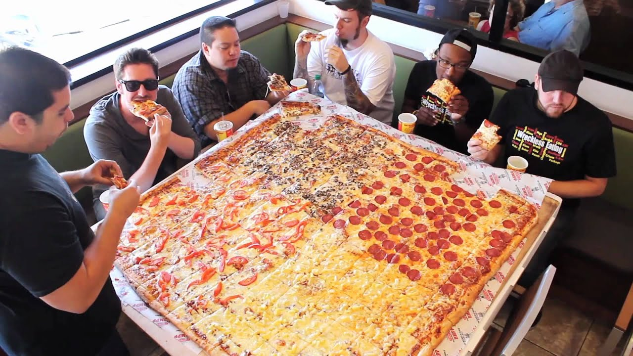 Compe Ive Eaters Versus Wreckless Eaters In Big Mamas Papas Pizzerias 54 Pizza Challenge You