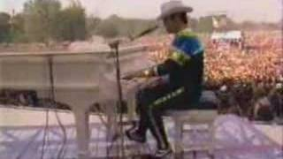 Elton John - Funeral For A Friend - Love Lies Bleeding
