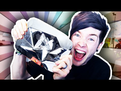 OUR DIAMOND PLAY BUTTON!!!!