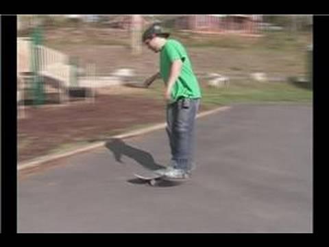 10 Easy Skateboard Tricks for Beginners