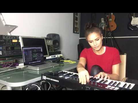 Estelle Rubio - Producing on Komplete Kontrol - House Music