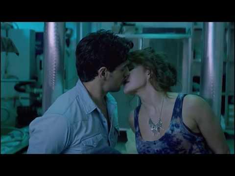 Jacqueline Fernandez All Kissing Hot Scenes in A Gentleman thumbnail