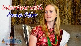 Interview with Lok Dohari Singer Anna Stirr