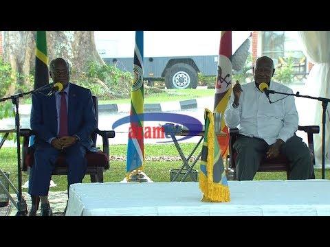 AZAM TWO - FULL PRESS: Magufuli na Museveni walivyojibu maswali ya waandishi wa habari
