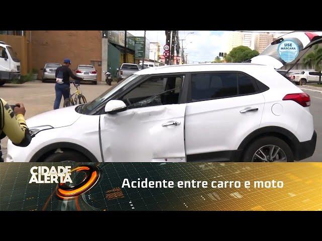 Acidente entre carro e moto deixa homem ferido no Barro Duro