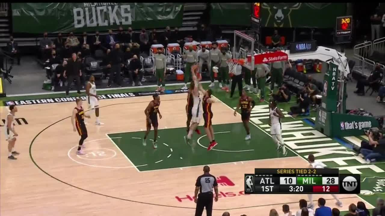Without Giannis, Bucks beat Hawks 123-112 for 3-2 lead