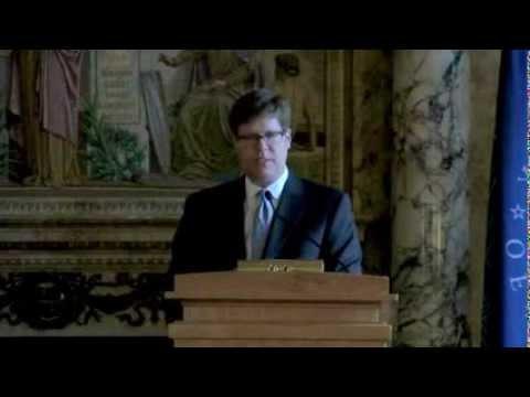 APTS Presents Senator Jay Rockefeller With A Champion of Public Broadcasting Award.