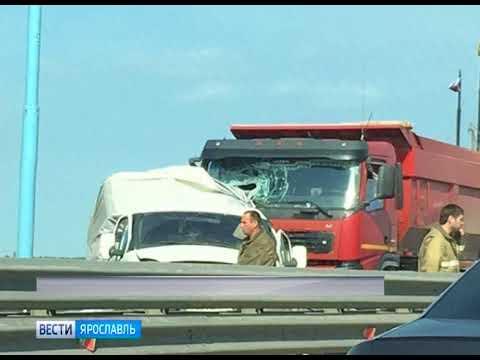 На съезде с Юбилейного моста произошло серьезное ДТП