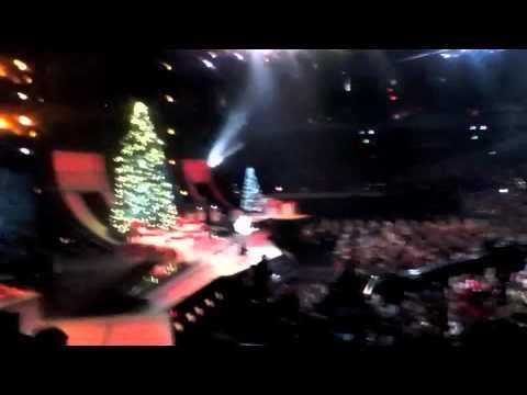 2011 CMA Country Christmas with Sugarland