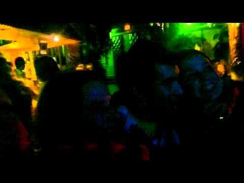 Um Brasileiro em Saint Etienne - Karaoke com amigos