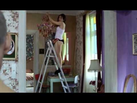 Strella (2009): Exclusive clips
