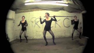 Beyonce - Single ladies  (male cover) funniest vid ever!