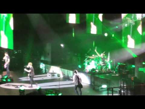 5 Seconds Of Summer [HD] - Voodoo Doll/Michael Falling - Leeds 3/6/15