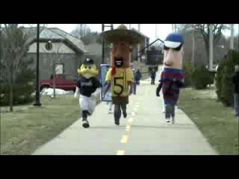 Battle Mattress Man Vs Milwaukee Brewers Racing Sausages