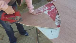 Cutting door hangers with jigsaw