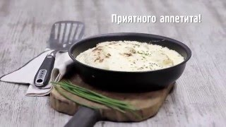 Запеченные блинчики с мясом под луковым соусом