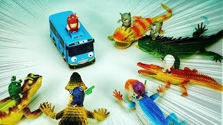 Oddbods Toy with Wild Animals, Dinosaurs and Cars | Kids Toys | ABC Toys