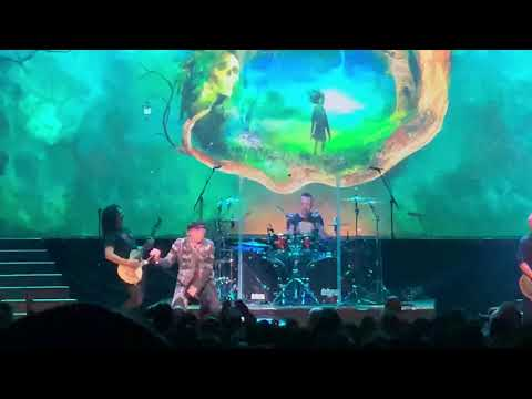 """Avantasia, """"Ghost in the moon"""", live at the forum, Melbourne, Australia."""