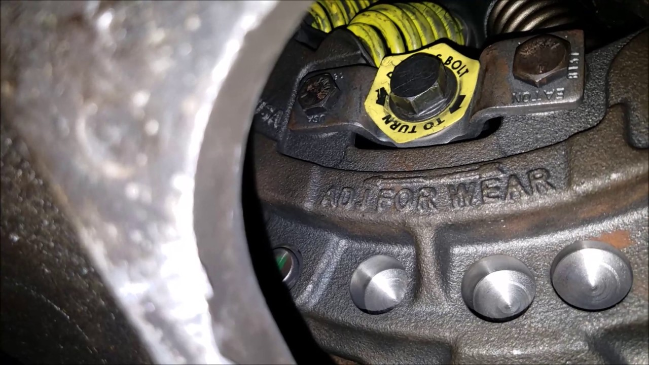 clutch adjustment on a semi truck eaton fuller  [ 1280 x 720 Pixel ]
