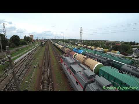 ЧС7 с поездом 742А Белгород - Москва  на станции Ржава.