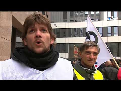 Lyon : les salariés de Pages Jaunes en grève pour sauver leur emploi