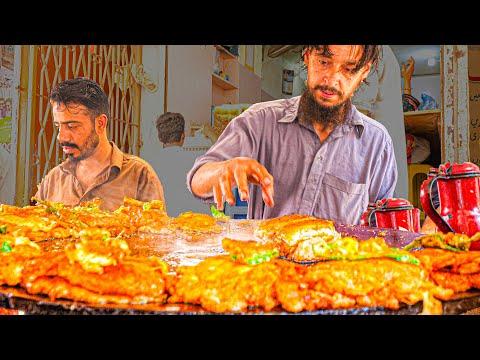 EXTREME Street Food in Pakistan - Super FAST + ANGRY Ninja BURGER - ULTIMATE Karachi BURGER Tour!!!