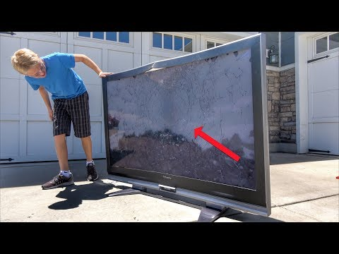 What's inside a 65-inch Flat Screen TV?