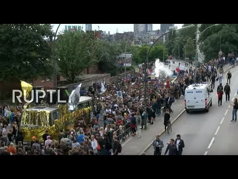 LIVE: Dancing protest shakes Hamburg ahead of G20 summit