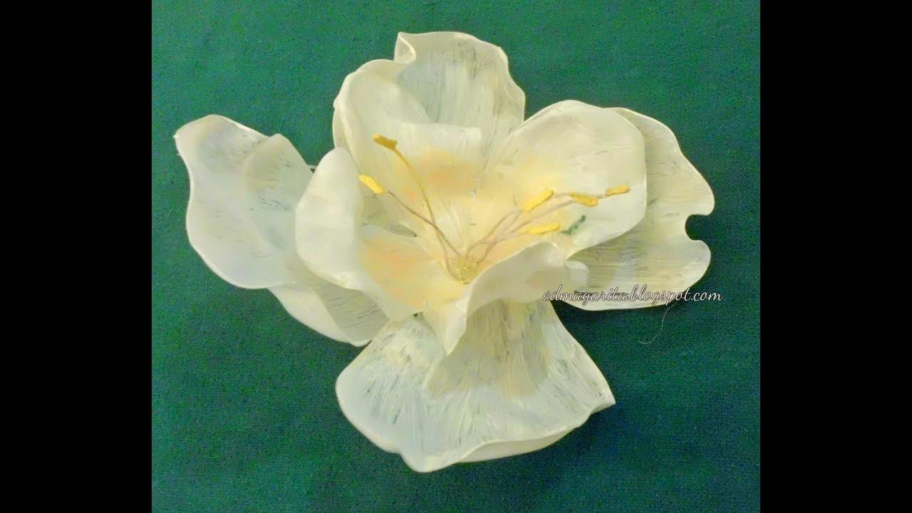 C mo hacer flores de pl stico reciclaje youtube - Flores de plastico ...