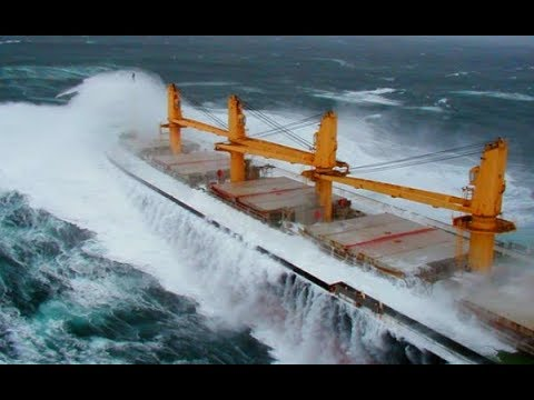 Top 10 Big Bulk Carrier Ships at Strong Waves In Storm